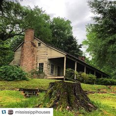 Mississippi Houses is one of our favorite Mississippi related accounts to follow. They post beautiful houses located throughout the state of Mississippi and also give a little bit of history with them, too. This house is special to us because it was built in the county that we're from! #MississippiLife #MagnoliaState #VisitMS #MississippiLove  #Repost @mississippihouses ・・・ I visited Grand Gulf Military Park yesterday outside of Port Gibson. This is a #dogtrot home circa 1768 named Scotia…