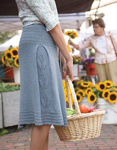 Nice detail worked into a side pleat. Ravelry: Soft Linen Single Gore Skirt pattern by Gudrun Johnston Crochet Skirts, Knit Skirt, Knit Or Crochet, Crochet Clothes, Knit Dress, Knitting Patterns Free, Knit Patterns, Free Knitting, Skirt Pattern Free