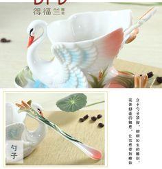 Luxury Swan Detailed Tea Cup