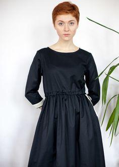 Иссиня-черное платье с кулиской