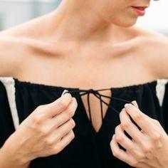 ✨ TO SHOP ✨   >> www.mithandkuss.com/shop     mit Handkuss_Playsuit_Jumpsuit_Off Shoulder Black Top Blogs, Elegant, Playsuit, Fit, Jumpsuit, Lifestyle, Shoulder, Womens Fashion, Classic