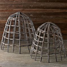 Edible garden 565483296953490644 - Our handmade cloches crafted of wicker are a naturally beautiful way to provide support for plants in your edible garden. Their cage-like structure protest Source by leaherrington Potager Garden, Veg Garden, Garden Trellis, Garden Care, Edible Garden, Garden Tools, Fruit Garden, Vegetable Gardening, Garden Cloche