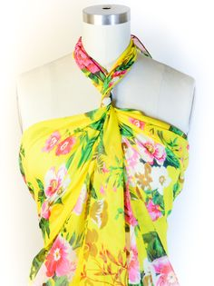 """How to Tie a Scarf into a Halter""  I'm totally going to do this alll summer! It would work great as a swim cover-up too!"