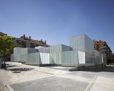 Health Care Centers in Madrid by Estudio Entresitio