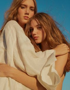 ELLE UK March 2017 Amalie and Cecilie Moosgaard by Kai Z Feng - Fashion Editorials  Photography: Kai Z Feng Styled by: Anne-Marie Curtis Hair: Lok Lau Makeup: Naoko Scintu Models: Amalie Moosgaard& Cecilie Moosgaard