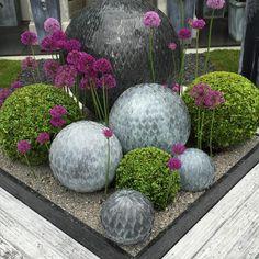 HGTV Gardens tours the Chelsea Flower Show for design ideas.