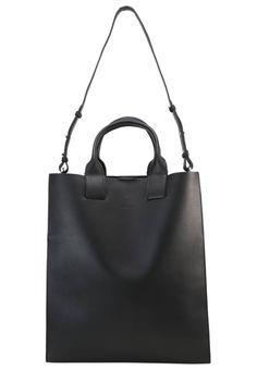 c89f16b058 KAJSA - Shopping bag - black. Lengde:33 cm i størrelse One. Zalando Shop