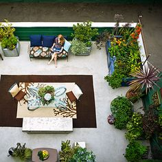A clever way to maximize a small outdoor space!