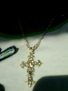 Cross neckalace