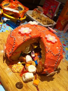 Treasure Chest cake (Ikea round bowl) with frosting