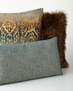 -69EP   Lawrence Square Pillow Lawrence Oblong Pillow Lawrence Faux-Fur Pillow