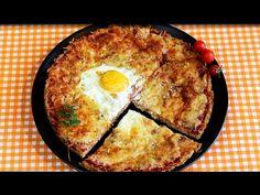 Low Carb Pizza wird meistens mit mit einem Gemüseboden gebacken. Die hier gezeigte Variante nicht, denn sie hat einen Thunfischboden. Die Pizza selbst bestic...