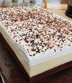 Recently, I found this recipe, it has become the family's newest … – Pastry World Hungarian Desserts, Hungarian Cake, Hungarian Recipes, Candy Recipes, Sweet Recipes, Dessert Recipes, Quick Recipes, Crazy Cakes, Food Network Recipes