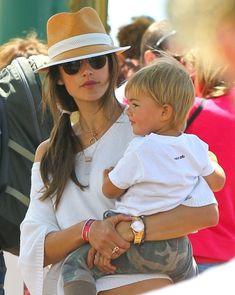 Alessandra Ambrosio - Alessandra Ambrosio Takes Her Kids To The Santa Monica Pier