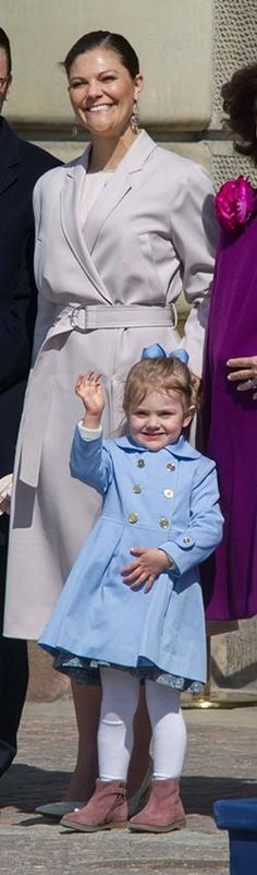 Princess Madeleine, Princess Marie, Princess Marie-Chantal, Queen Maxima and Princess Stephanie: Gallery of the week's best royal style - Foto 17