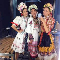 If you really, really want to make a selfie, this is the right occasion to do it. Folklore, Russian Culture, Native Style, Ethnic Fashion, Native Fashion, Folk Costume, Traditional Dresses, Dance Wear, Vestidos