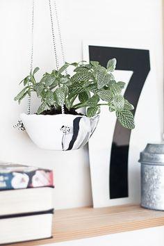 DIY: hanging clay planter