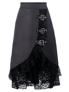 Top Gothic Fashion Tips To Keep You In Style. As trends change, and you age, be willing to alter your style so that you can always look your best. Consistently using good gothic fashion sense can help Mode Country, Dress Skirt, Lace Skirt, Satin Skirt, Steampunk Skirt, Diy Mode, Black Midi Skirt, Party Skirt, Lace Ruffle