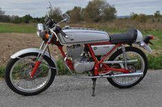 In Canada – 1997 Honda Dream 50 Honda Cycles, Honda Bikes, Honda Motorcycles, Honda Cb, Custom Mini Bike, Custom Cafe Racer, 50cc Moped, Cafe O, Japanese Market