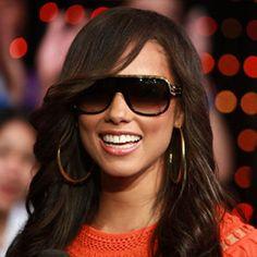Alicia Keys Long Wavy Hairstyles for Girls