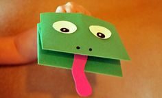 Paper Frog Hand Puppet for Frog and Toad stories. Frog Crafts, Preschool Crafts, Crafts For Kids, Arts And Crafts, Frog Puppet, Frog Activities, White Construction Paper, Frog Theme, Puppets For Kids