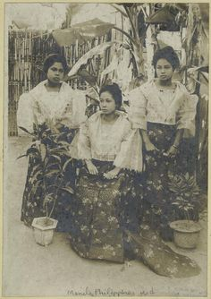 vintage everyday: 24 Charming Photo Postcards of Philippine Girls in Traditional Dresses from between Philippines Outfit, Miss Philippines, Philippines Culture, Manila Philippines, Retro Pi, Filipino Fashion, Philippine Women, Filipino Culture, Filipiniana