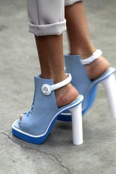 Women S Shoes Victorian Era Heeled Boots, Shoe Boots, Shoes Heels, Pumps, Crazy Shoes, Me Too Shoes, Look Fashion, Fashion Shoes, Mode Shoes