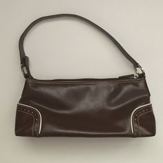 Tommy Hilfiger purse In excellent condition. Only used a few times. Smoke and pet free home. Tommy Hilfiger Bags Shoulder Bags
