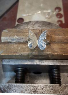 Pierścionek srebrny motyl - MCHbizu - Pierścionki srebrne Etsy, Jewelry, Jewlery, Jewerly, Schmuck, Jewels, Jewelery, Fine Jewelry, Jewel
