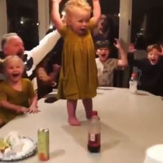 Match of the day – funny kids Funny Baby Memes, Kid Memes, Funny Video Memes, Funny Relatable Memes, Funny Jokes, 9gag Funny, Memes Humor, Funny Videos For Kids, Cute Baby Videos