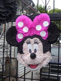 Piñatas~Minnie mouse piñata