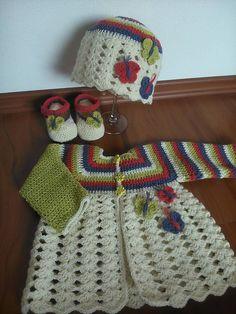 Detské oblečenie - Jarný háčkovaný svetrík motýlikový - 5706259_