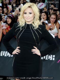 Demi Lovato  http://www.icelebz.com/celebs/demi_lovato/photo23.html