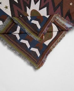 Image 2 of SPECIAL EDITION JACQUARD SCARF from Zara