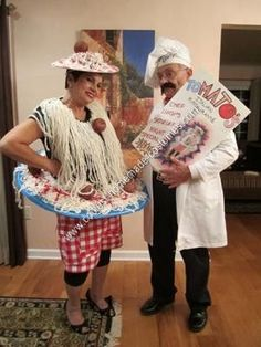 Homemade Spaghetti and Meatballs Halloween Couple Costume Idea: Recipe for this homemade Spaghetti and Meatballs Halloween couple costume idea: - 1 sheet very dense cardboard - 2 balls of thick, cream-colored yarn