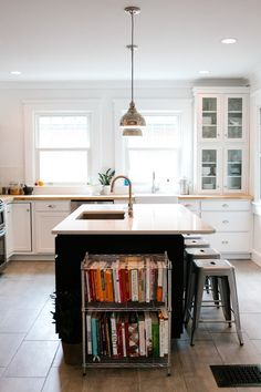 small kitchen design guides will help you make the most of your space. Learn about layout, light, storage and more. Find out more today! Sweet Home, New Kitchen, Kitchen Dining, Kitchen Ideas, Kitchen Island, Kitchen Planning, Kitchen Black, Mini Kitchen, Kitchen Modern