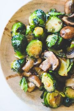 The Best Brussels Sprouts and Mushrooms Recipe - side dishes #sidedishes Roast Frozen Brussel Sprouts, Shredded Brussel Sprout Salad, Roasted Sprouts, Sprouts With Bacon, Brussels Sprouts, Holiday Side Dishes, Side Dishes Easy, Vegetable Side Dishes, Side Dish Recipes