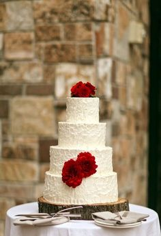 simple white wedding cake Red, Pink and Gold Wedding at the St. Published by Fab You Bliss Photo by Pepper Nix Wedding Cake Red, Pink And Gold Wedding, Wedding 2015, Wedding Day, Gorgeous Cakes, Pretty Cakes, Romantic Weddings, Simple Weddings, Here Comes The Bride