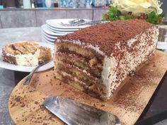 Κέικ τιραμισού από την Αργυρώ Μπαρμπαρίγου   Φτιάξτε και δοκιμάστε αυτό το θεϊκό και αφράτο κέικ τιραμισού με κρέμα χωρίς αυγά και θα παραμιλάνε όλοι