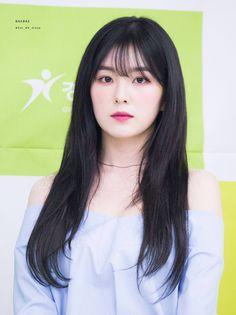 Red Velvet アイリーン, Irene Red Velvet, Seulgi, Kpop Girl Groups, Kpop Girls, Red Eye Makeup, Fringe Bangs, Girl Korea, Rapper