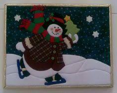 Resultado de imagen para patchwork sin aguja navidad moldes Christmas Time, Christmas Crafts, Merry Christmas, Christmas Centerpieces, Christmas Decorations, Holiday Decor, Snowman Quilt, Christmas Stockings, Coloring Pages
