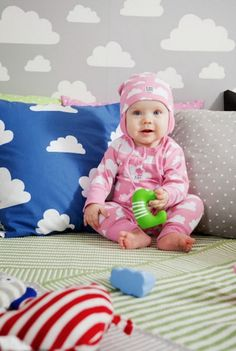 F:RG&FORM Moln Clouds Pink Bodysuit and Beanies with earflaps at Northlight Pink Bodysuit, Little People, Baby Design, Kids Rugs, Baby Outfits, Sweden, Clothes, Barn, Contemporary