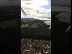 Detik-detik pesawat turun landasan Diterpah Angin Kencang. - YouTube