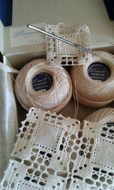 Crochet Headwrap – DIY Home Decor & Organization For 2017 – DIY Crafts and Lifehacks 2017 - Stricken Baby Sachen Crochet Borders, Crochet Squares, Crochet Granny, Filet Crochet, Crochet Motif, Crochet Doilies, Crochet Flowers, Crochet Stitches, Knit Crochet