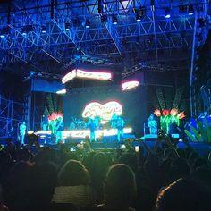 Mientras hay sorpresas en el  #oscar2017  los @angelesazulesmx están con todo en el concierto masivo del #carnavalveracruz2017 foto by alanxcb #veracruz #travel #angelesazules #mexico #concert #musica #music #live #carnavalveracruz #jarochos #jarochilandia #carnavaldeveracruz #carnival2017 #carnavaldeveracruz2017  #night #blue #photo #best