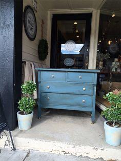 Vintage Dresser in Chalk Paint® Aubusson Blue