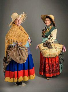 Indumentaria aragonesa Folk Clothing, Europe Fashion, The Hobbit, Spain, Culture, Costumes, Disney Princess, Outfits, Clothes