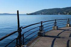 An der See-Promenade von Baveno früh am Morgen. In der Luft der Duft von Kaffee und Croissants... | #Italien Holiday Monday, Hotels, Croissants, Garden Bridge, Mtb, Backpacking, Tours, Outdoor Structures, National Forest