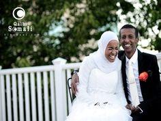 Somali wedding photo Aroos soomaali qurux badan Muslim Family, Muslim Couples, Somali Wedding, Live Happy, Just Married, Wedding Photos, Wedding Dresses, Google, Fashion