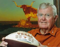 Former University of Texas head football coach Darrell Royal dead at 88 Texas Longhorns Football, Ut Longhorns, Texas Legends, Eyes Of Texas, Ricky Williams, Loving Texas, Thing 1, University Of Texas, American Football